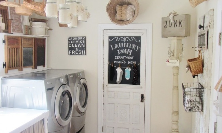 Vintage Laundry Room Wall Decor Ideas