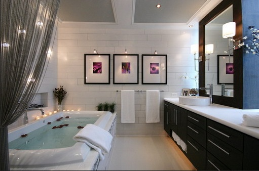 bathroom art ideas with framed picture and light - Bathroom Art Ideas