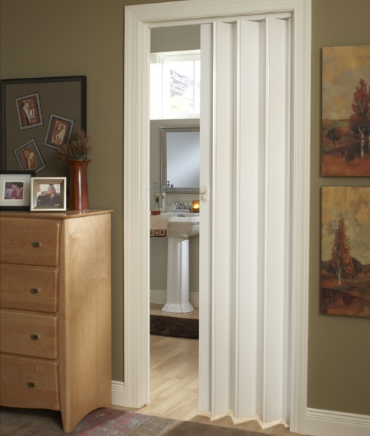 White folding bathroom doors for small spaces