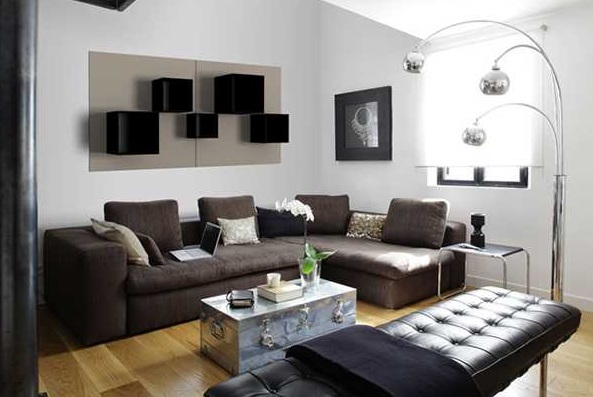 Black Decorative Living Room Shelves With Custom Arrangement