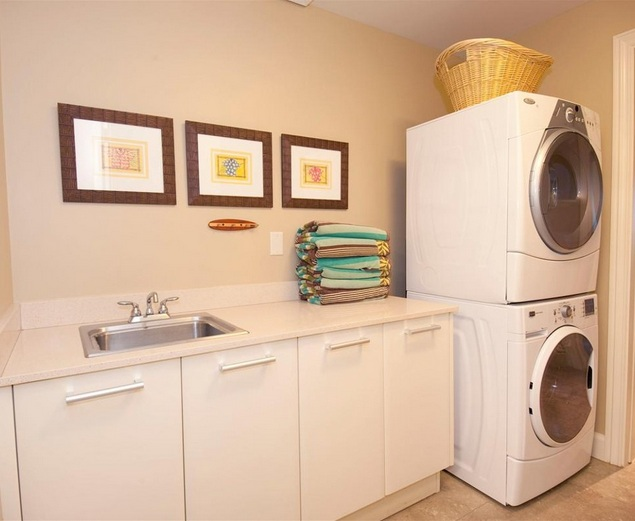 Bubble wall decal for laundry room wall decor ideas for Minimalist wall decor ideas