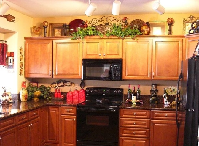 Small Kitchen Wall Wine Decor