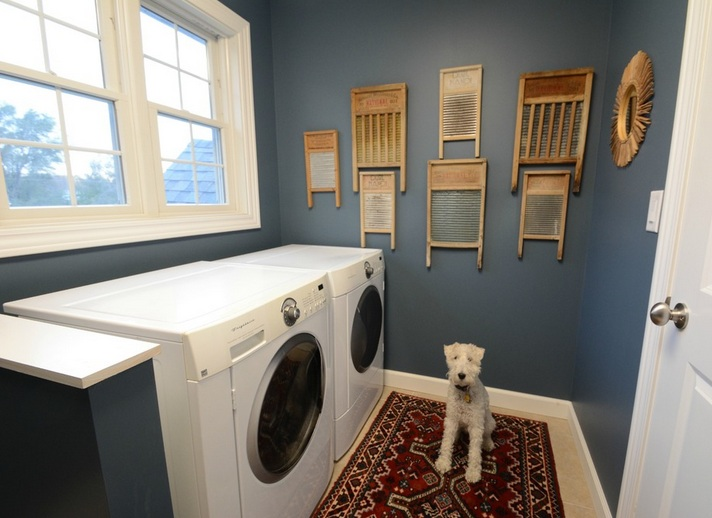 diy laundry room decor using wooden shelves and vintage ...