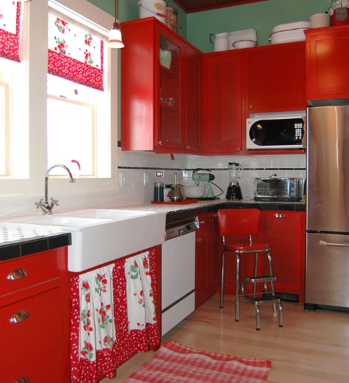 Strawberry kitchen decoration with red paint cabinets Decolovernet