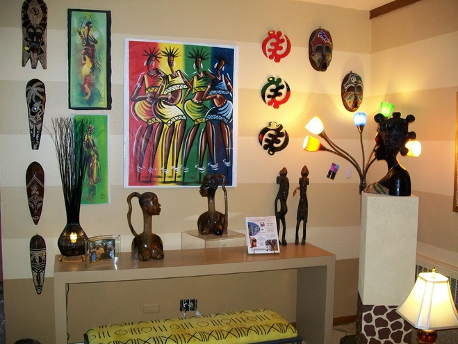 African themed living room decor with sculptures wall art ...
