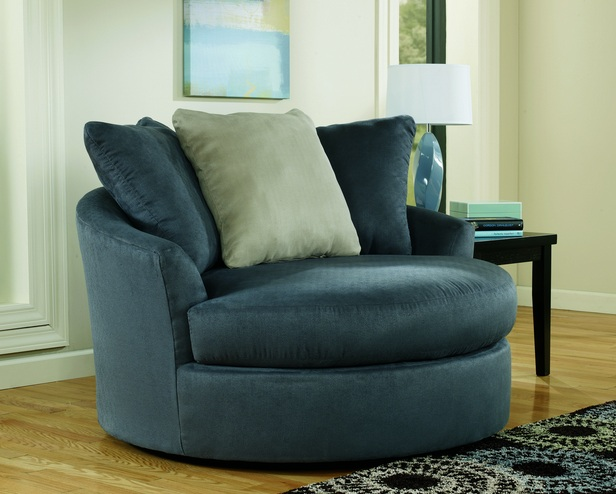 Oversized swivel chair for living room in contemporary design for Swivel chairs for living room contemporary
