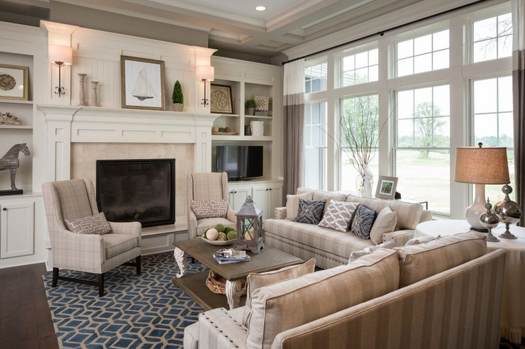 Country chic living room design with beautiful fireplaces for Gorgeous living rooms