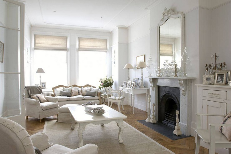Country Chic Living Room Design With Large Mirror Above Fireplace