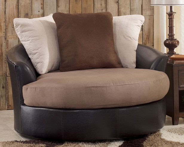 Oversized swivel chair for living room in contemporary for Swivel chairs for living room