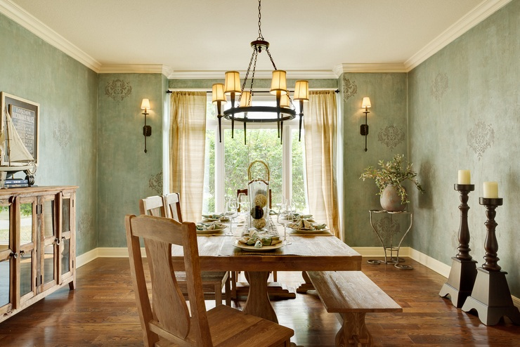 Vintage Dining Room Lighting Ideas Wih Bronze Pendant Light