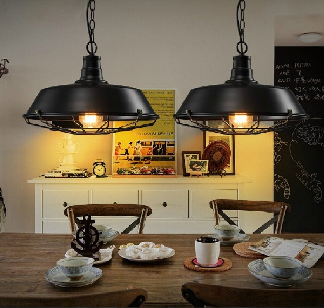 Vintage Dining Room Lighting Wih Industrial Style