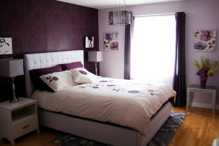 Decorating Small Bedrooms With Purple Pattern Wallpaper