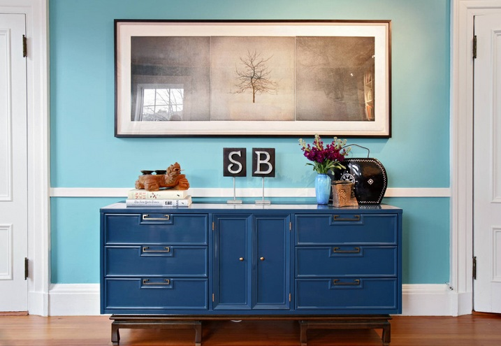 Dining room sideboard decorating ideas with vintage cups and ...
