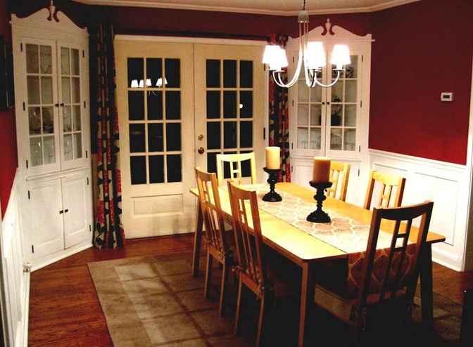 Small formal dining room ideas with crystal chandelier and for Formal dining room decor