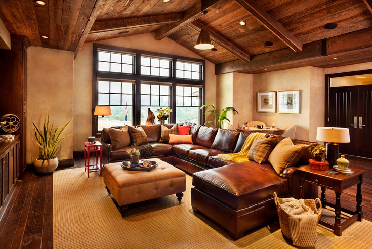 Western living room decor with antique light fixtures | Decolover.net