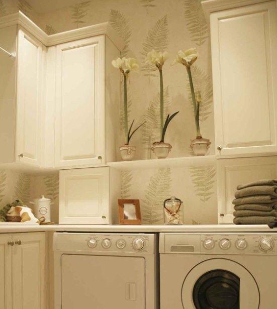 Different Ways To Paint A Room: Bright Color Wall Paint Decor For Laundry Room