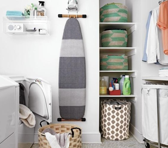 Country style laundry room decorative accessories for Laundry room decor accessories