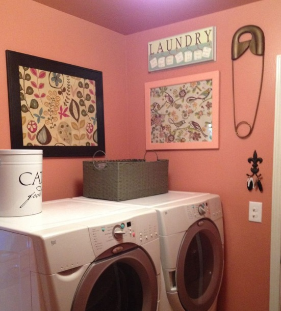 Laundry room decorative accessories for pretty yet for Laundry room decor accessories