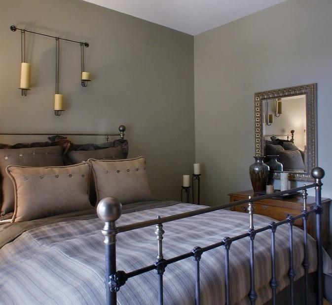 Farmhouse Style Bedroom With Warm Colors Decolover Net