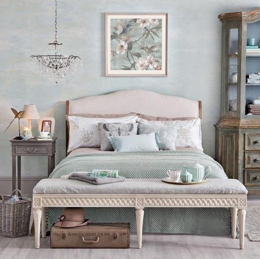Grey Vintage Bedroom: Floral Vintage Bedroom Ideas With Gray Nightstand