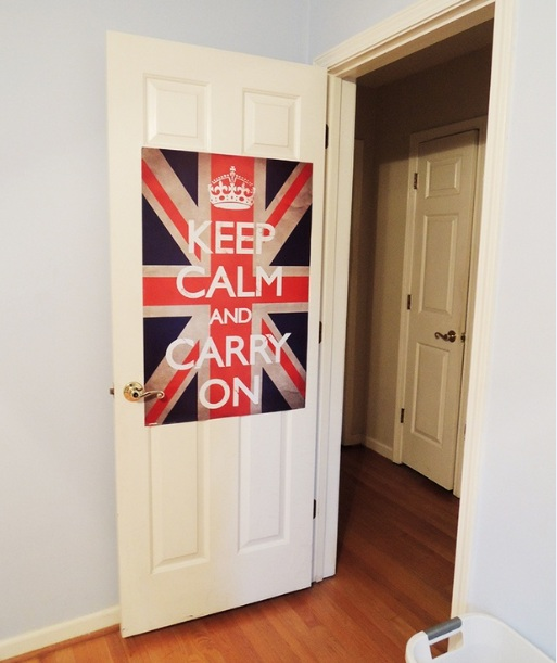 Red ribbon as cool things to put on your bedroom door - Cool things to put in your room ...