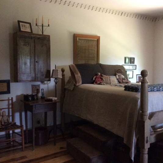 Primitive bedroom d cor the ideas to make you or your guests feel welcome - Antique bedroom decor ...