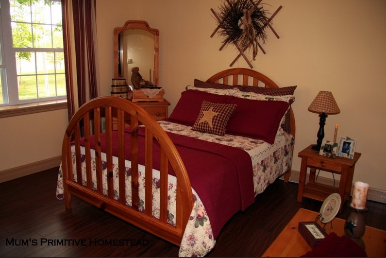 Primitive bedroom decor ideas with antique wooden bed ...