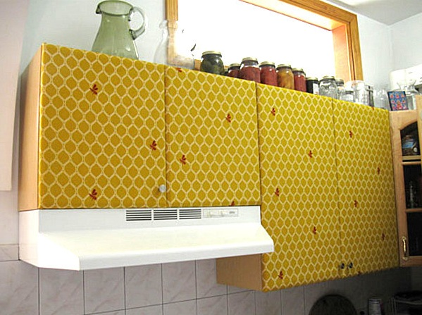Honey Bee Kitchen Decor With Wallpaper For Cabinets