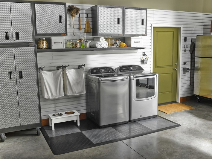 Laundry room in garage decorating ideas what to do to for Garage laundry room design