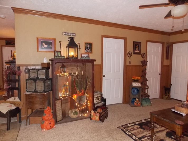 Primitive decorating ideas for living room with wooden for Primitive decorating ideas for living room