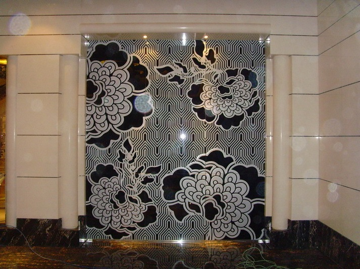 Decorative glass panels the various types and unique for Types of glass used in interior