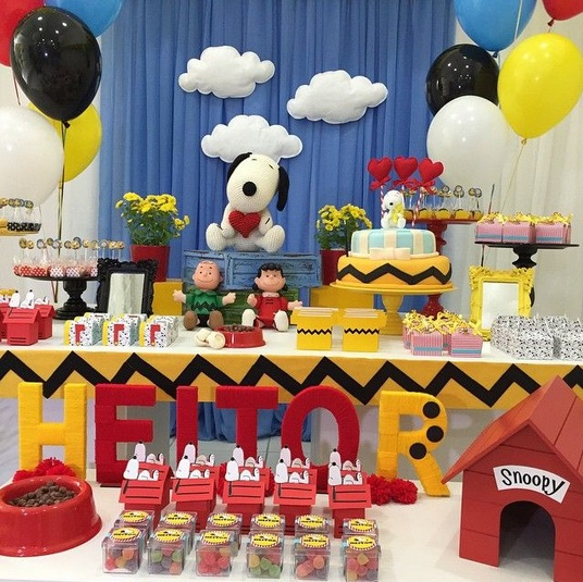 Snoopy Baby Shower Theme Decorations With Balloons